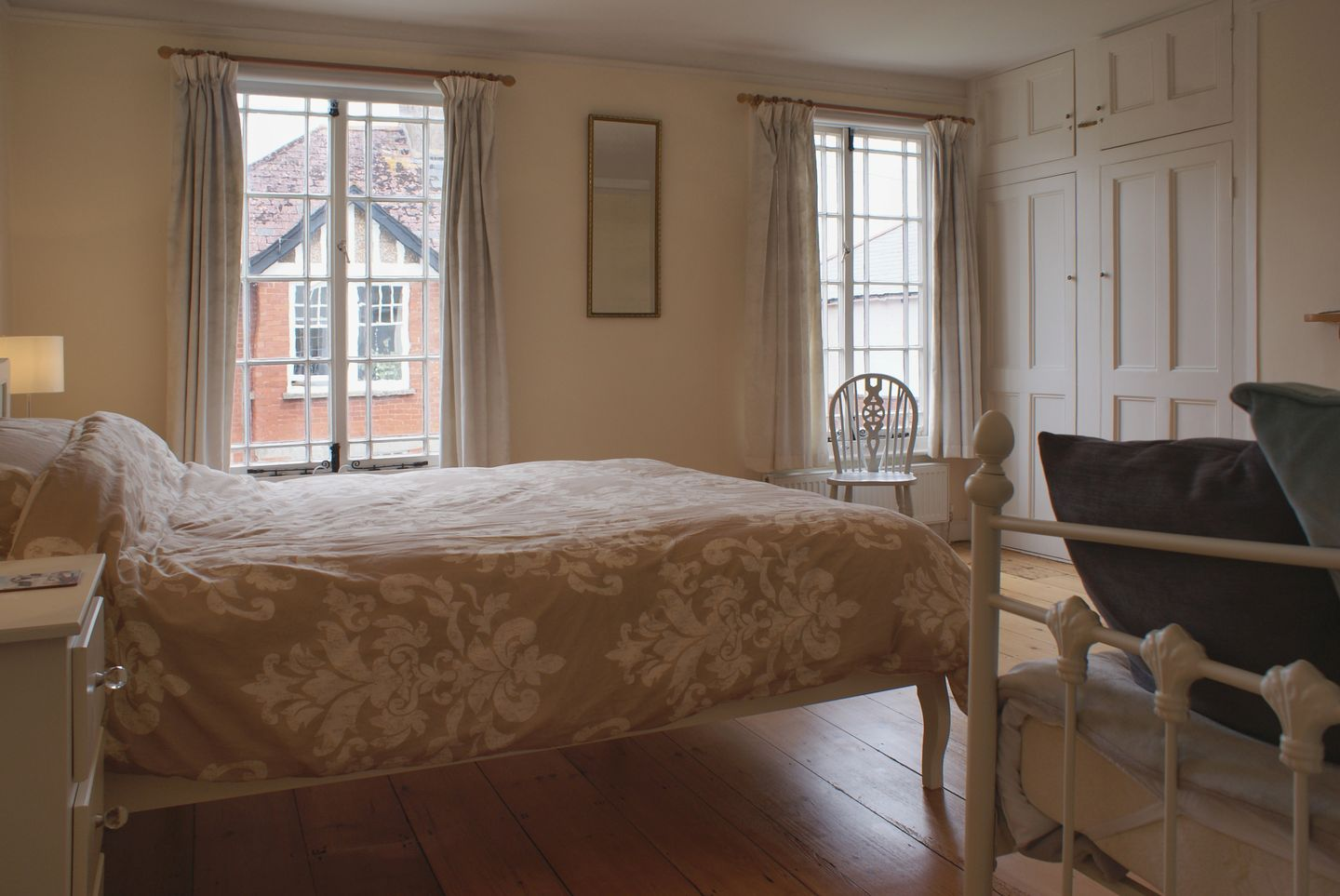 24 Victoria Road Topsham Double Bedroom