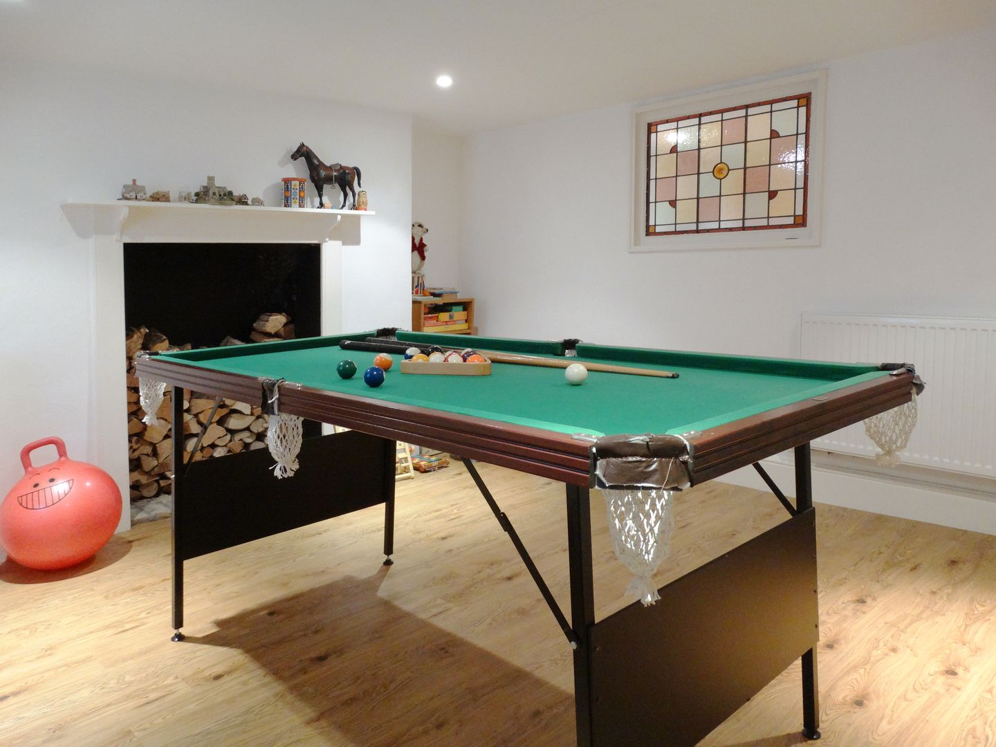 24 Victoria Road Topsham Pool Table