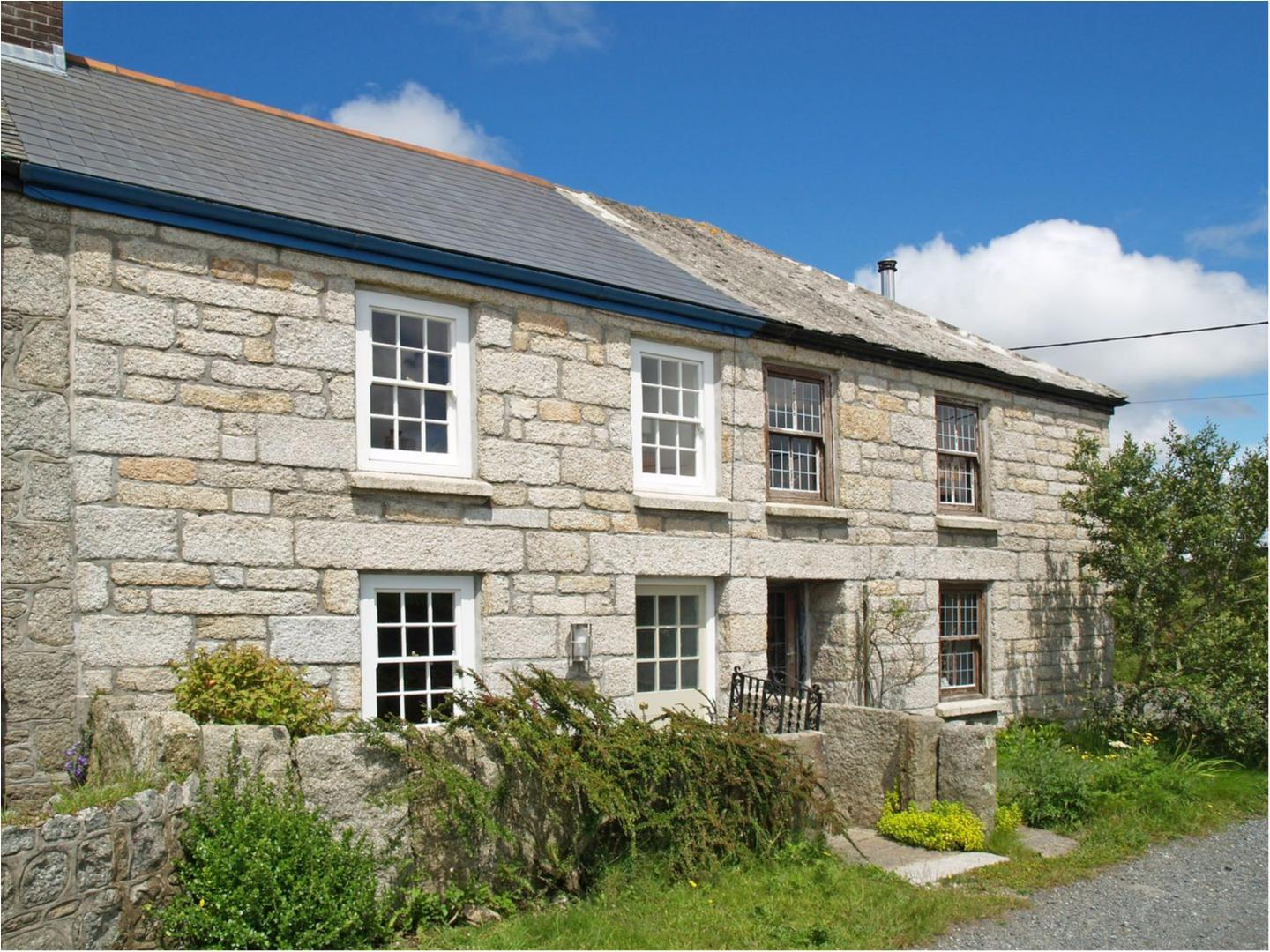Holiday Cottage Reviews for 2 Halvosso Cottages - Self Catering in Penryn, Cornwall inc Scilly