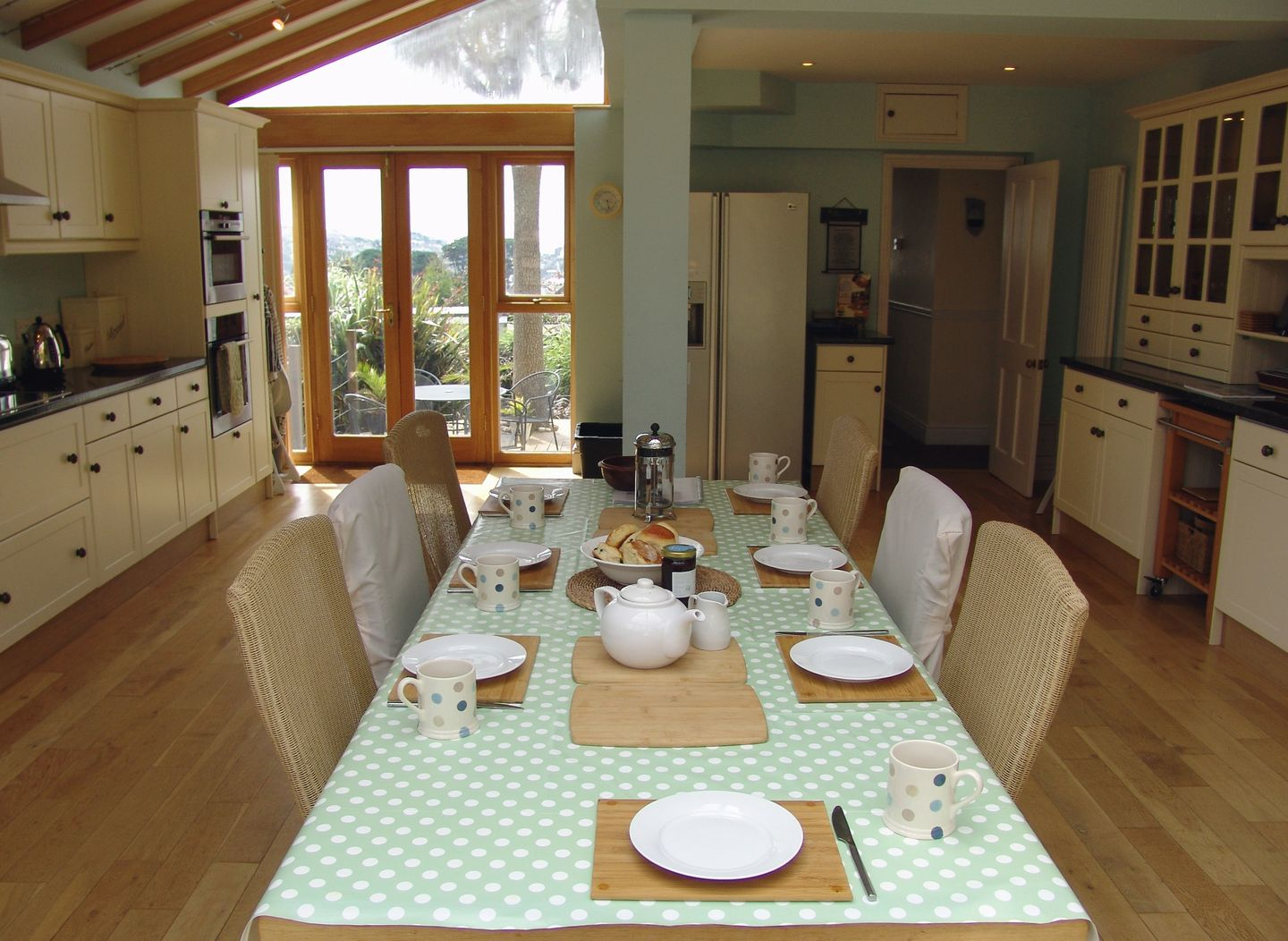 7 Park Road Fowey Dining Room Table