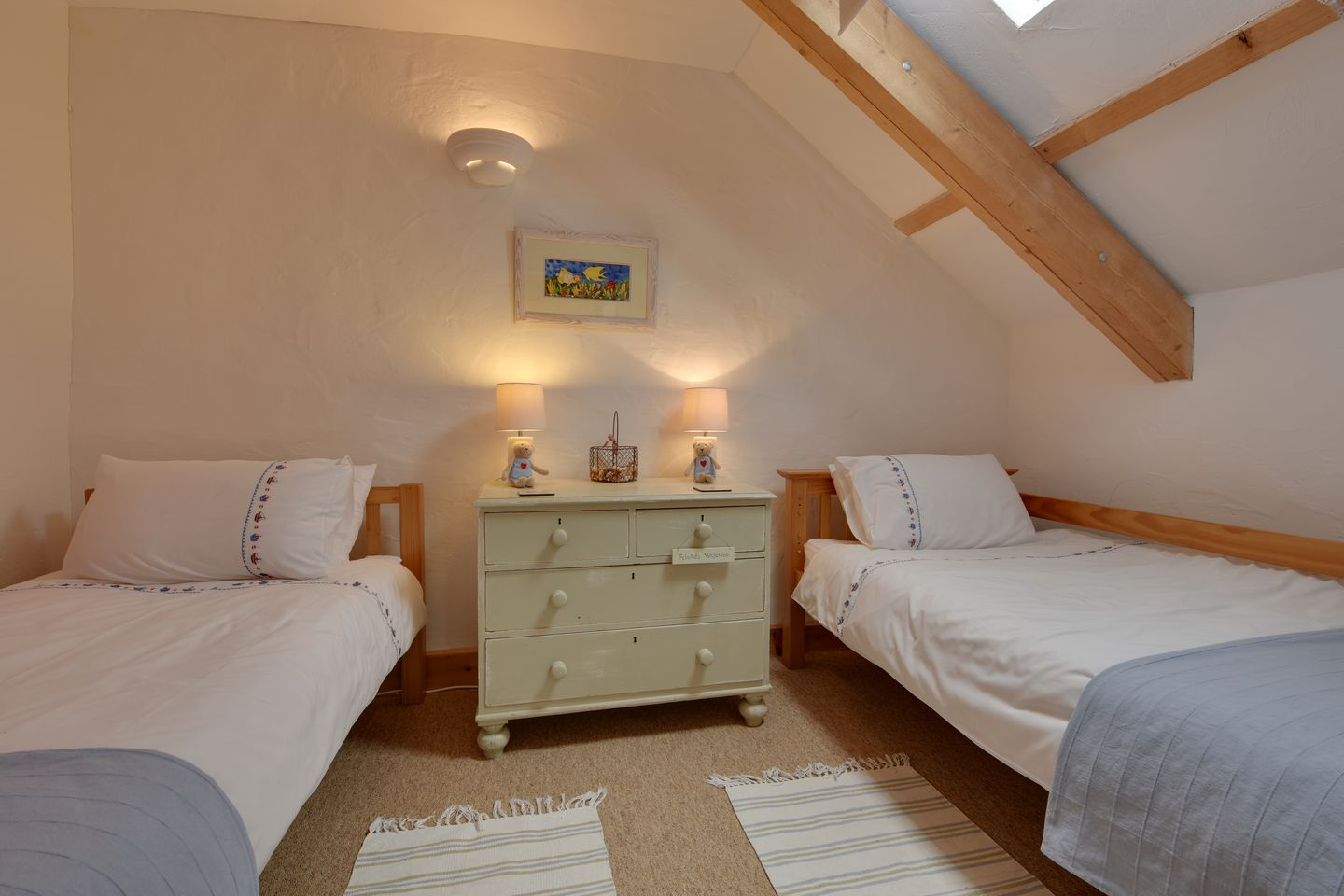 Barn Cottage Trelights Twin Bedroom