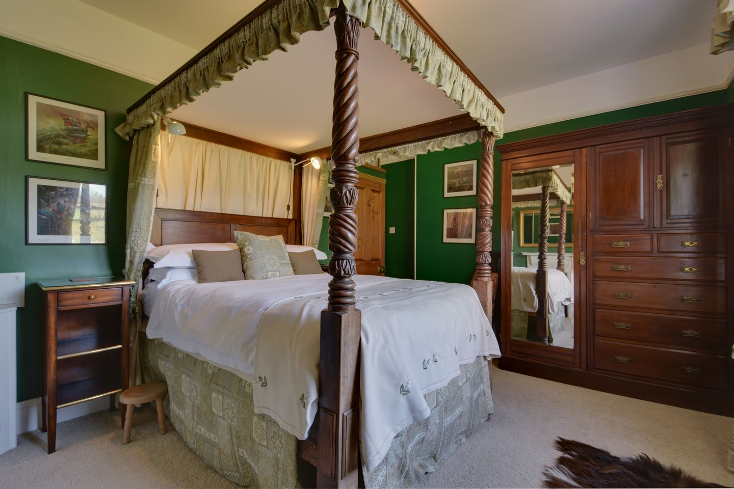 Beechlands Chagford Double Bedroom With Four Poster Bed