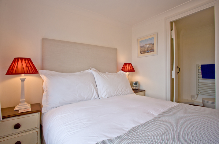 Bellcottage Sidmouth Devon Double Bed