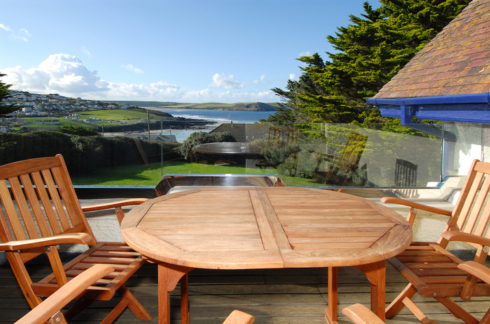 Holiday Cottage Reviews for Bishops View - Self Catering Property in Polzeath, Cornwall Inc Scilly