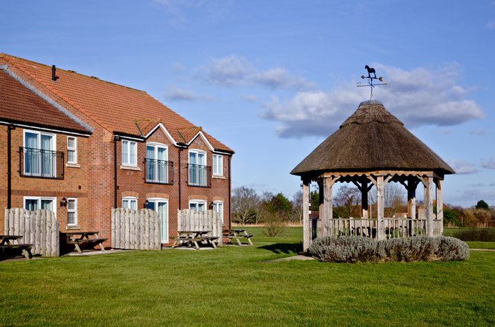 Holiday Cottage Reviews for Bluebell Lodge, Lakeview Cottages - Self Catering in Bridgwater, Somerset