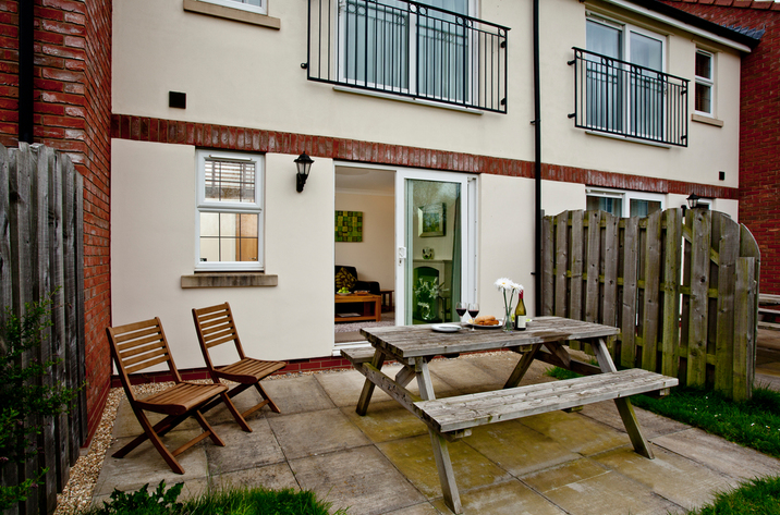 Holiday Cottage Reviews for Bramble Cottage, Lakeview Cottages - Cottage Holiday in Bridgwater, Somerset