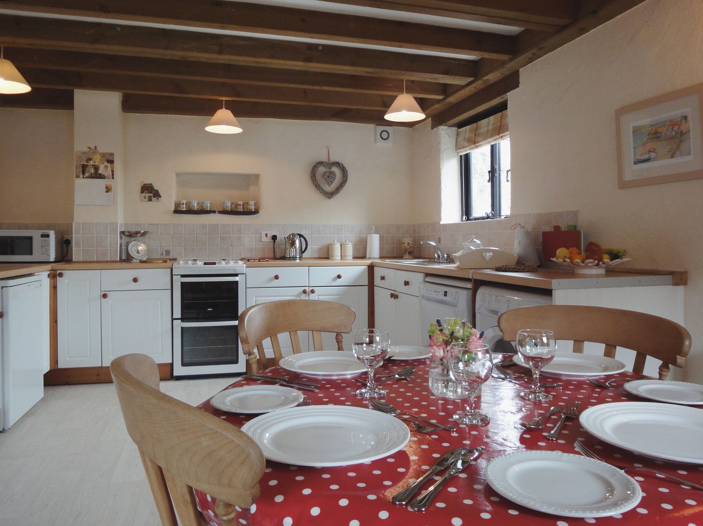 Bramble Cottage Ringmore Kitchen Dining Area