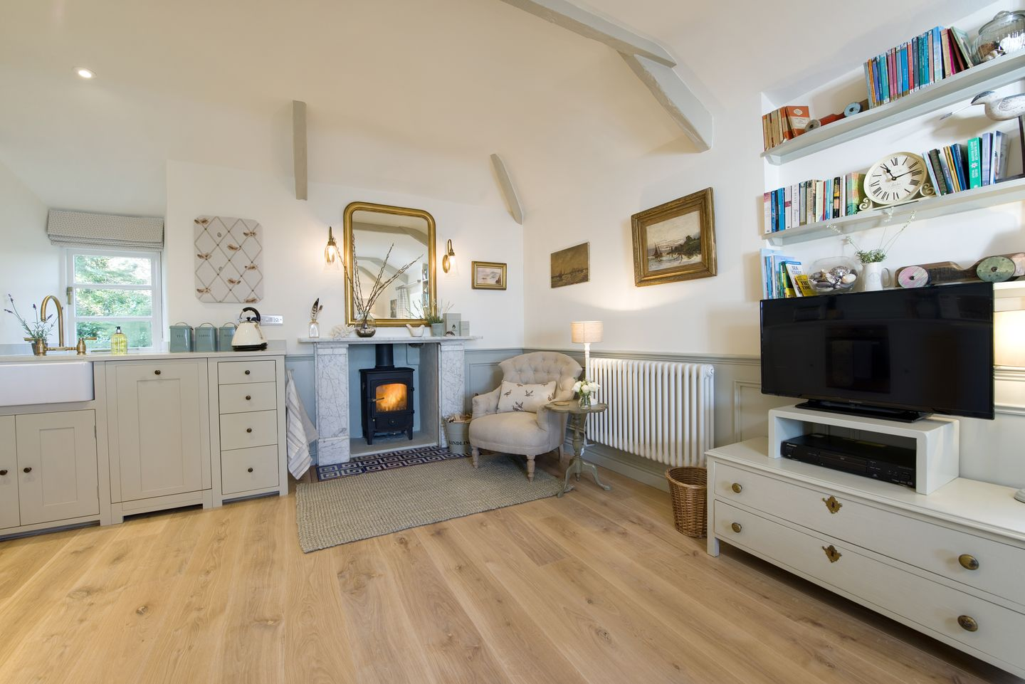 Coach House Cottage Strete Tv In Sitting Room