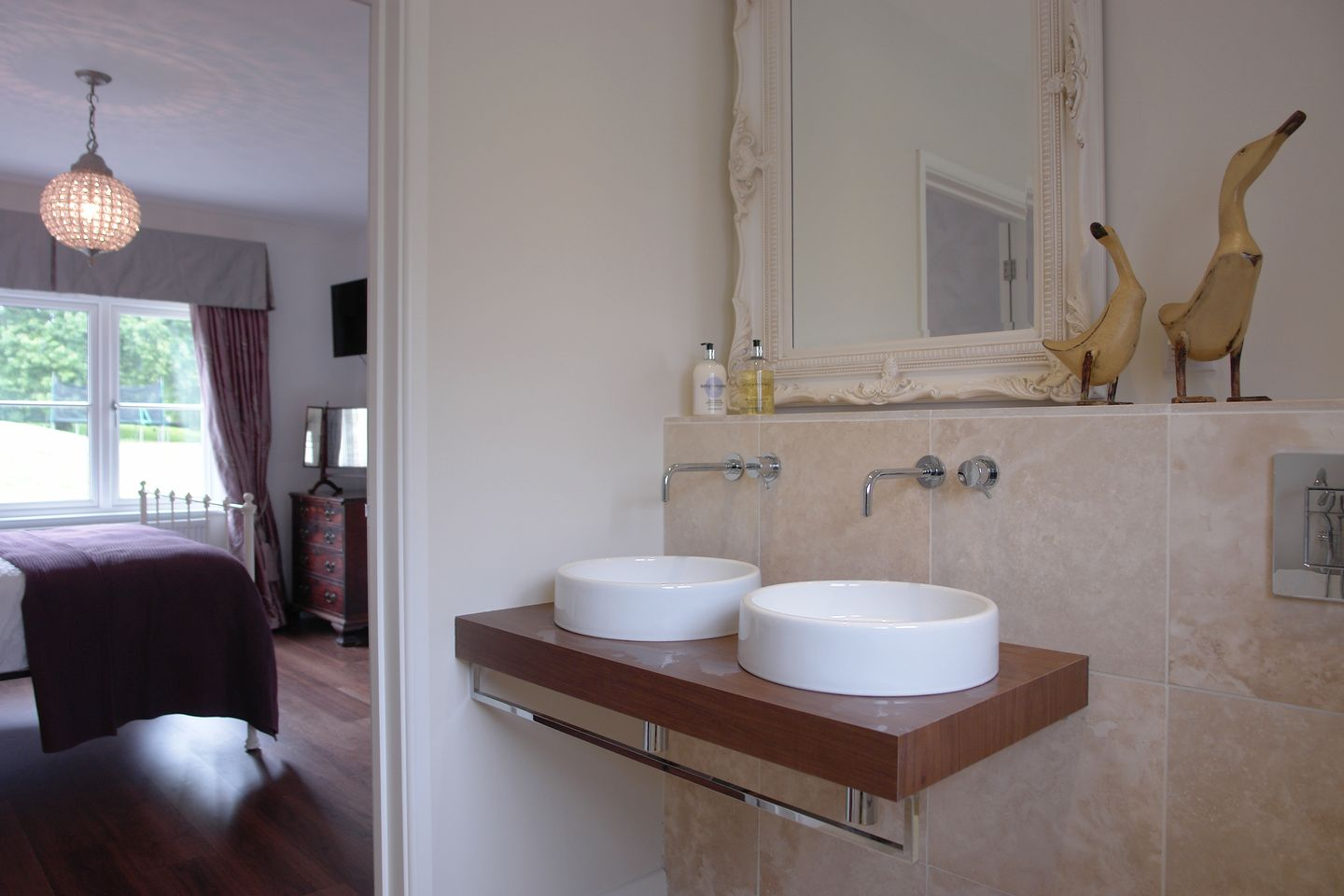 Compton House En Suite Bathroom