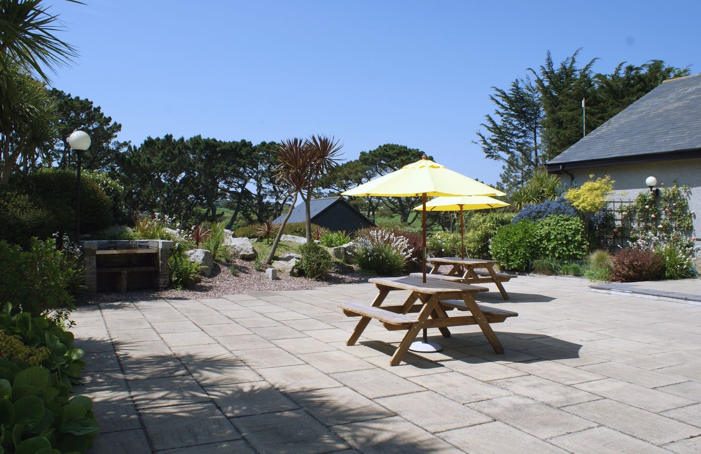 Duck Bay Maenporth Barbecue Area And Tables