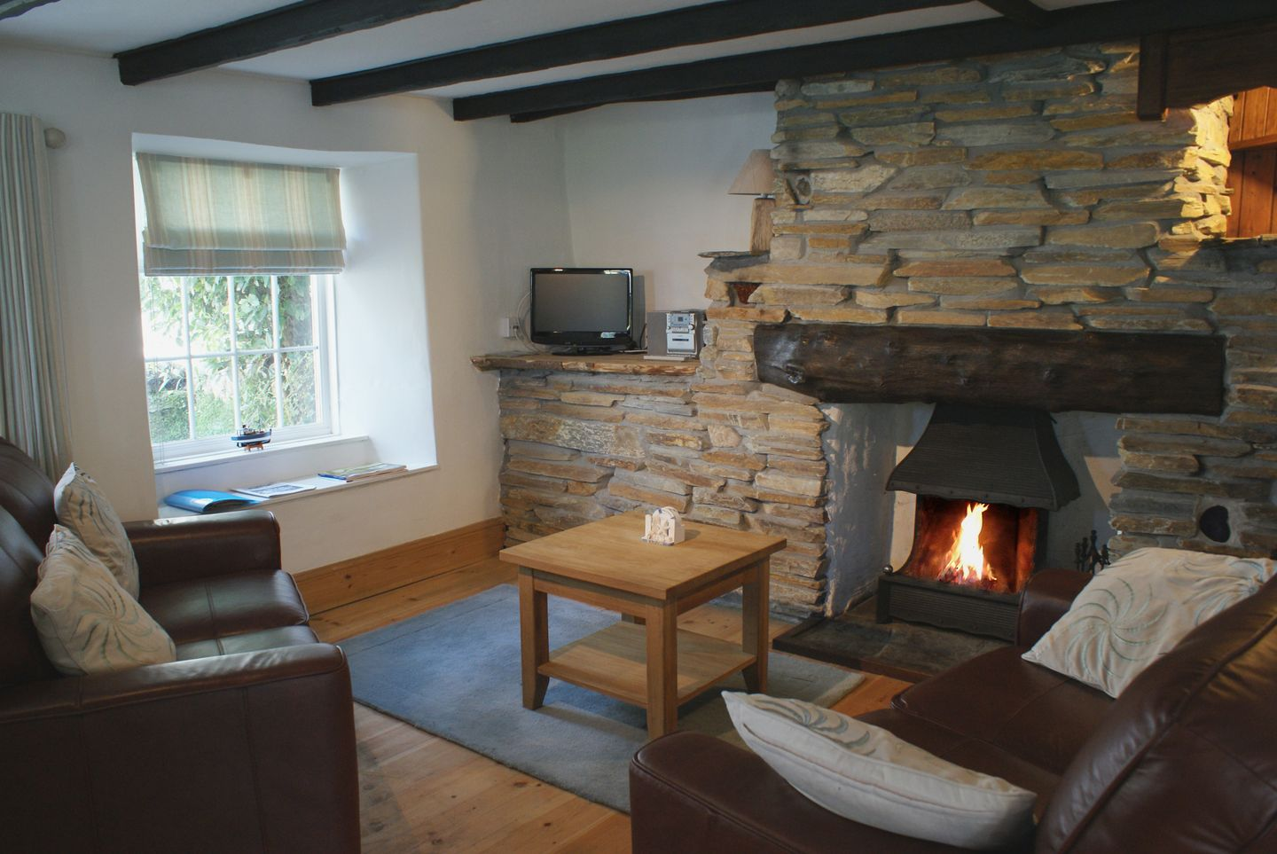 Fuchsia Cottage Boscastle Living Room With Fire