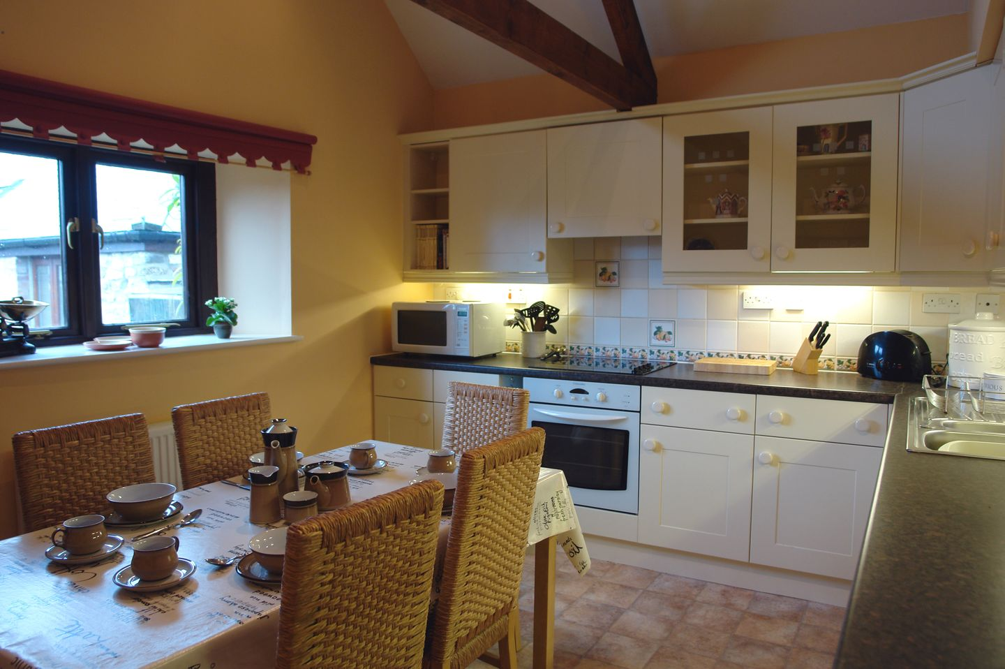 Gardeners Cottage South Zeal Kitchen