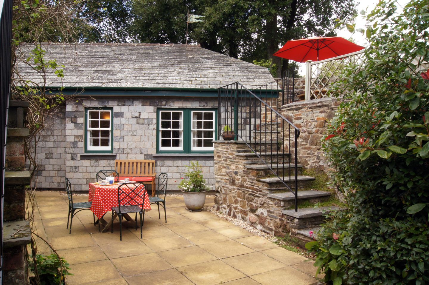 Holiday Cottage Reviews for Grooms Cottage - Self Catering in St Minver, Cornwall inc Scilly