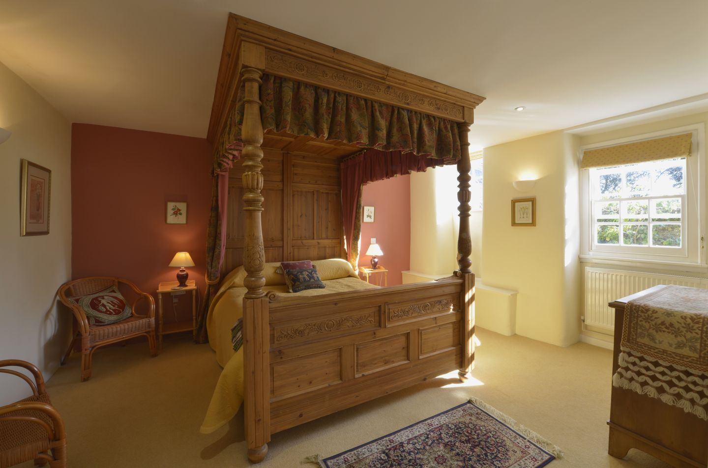 Grooms Cottage St Minver Four Poster Bed