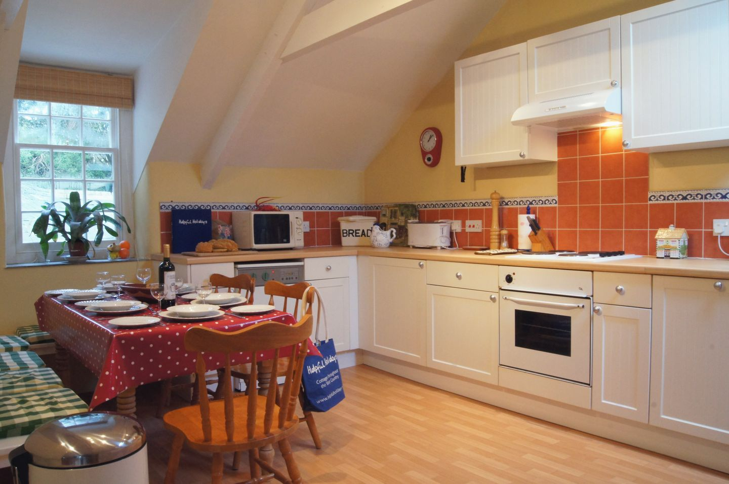Grooms Cottage St Minver Kitchen