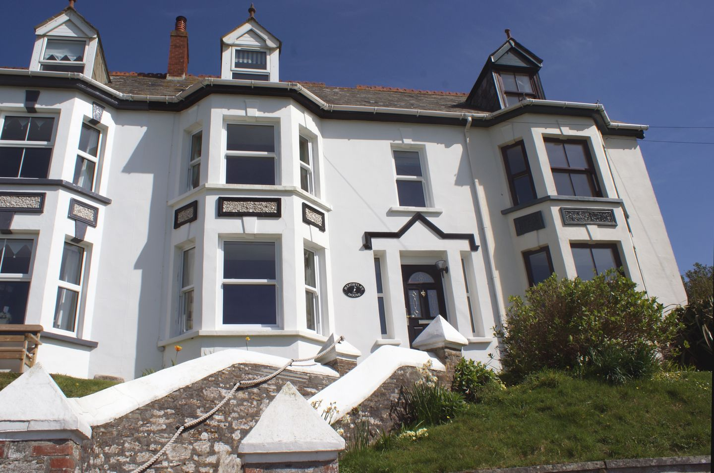 Holiday Cottage Reviews for Heightley House - Holiday Cottage in Treknow, Cornwall inc Scilly