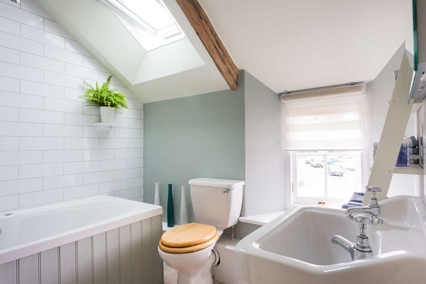 Island House Golant Bath Suite