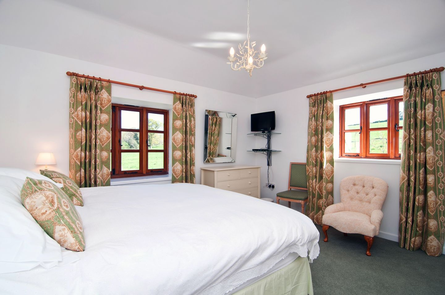 Kelly Green Mill St Tudy Second Double Bedroom