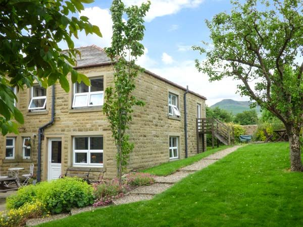 Holiday Cottage Reviews for Laurel Bank Cottage - Self Catering Property in Embsay, North Yorkshire