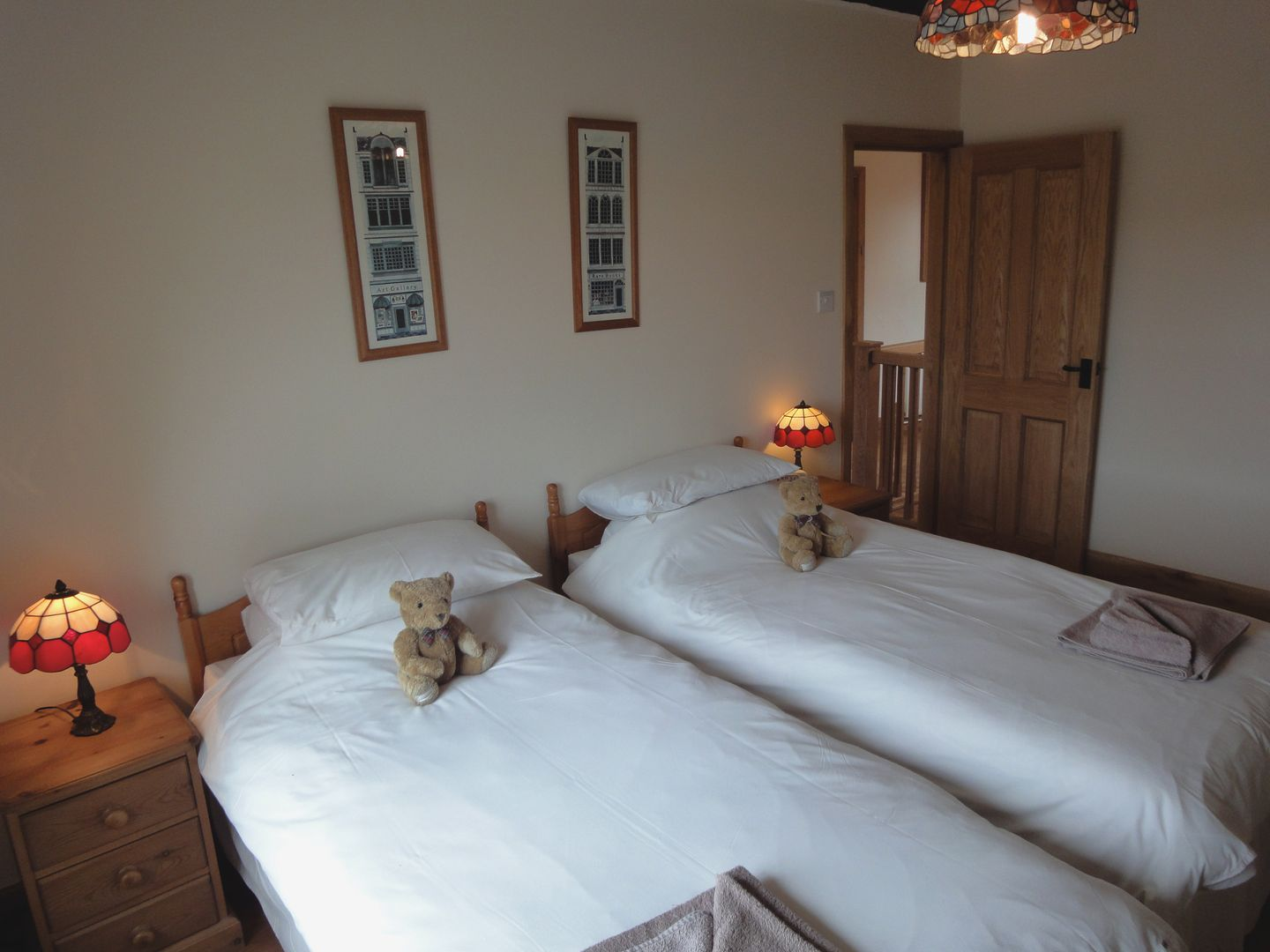 Lower Wadden Farmhouse Devon Twin Bedroom