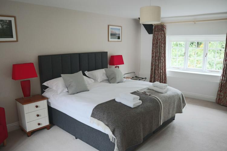 Luccombe Holiday Cottage12
