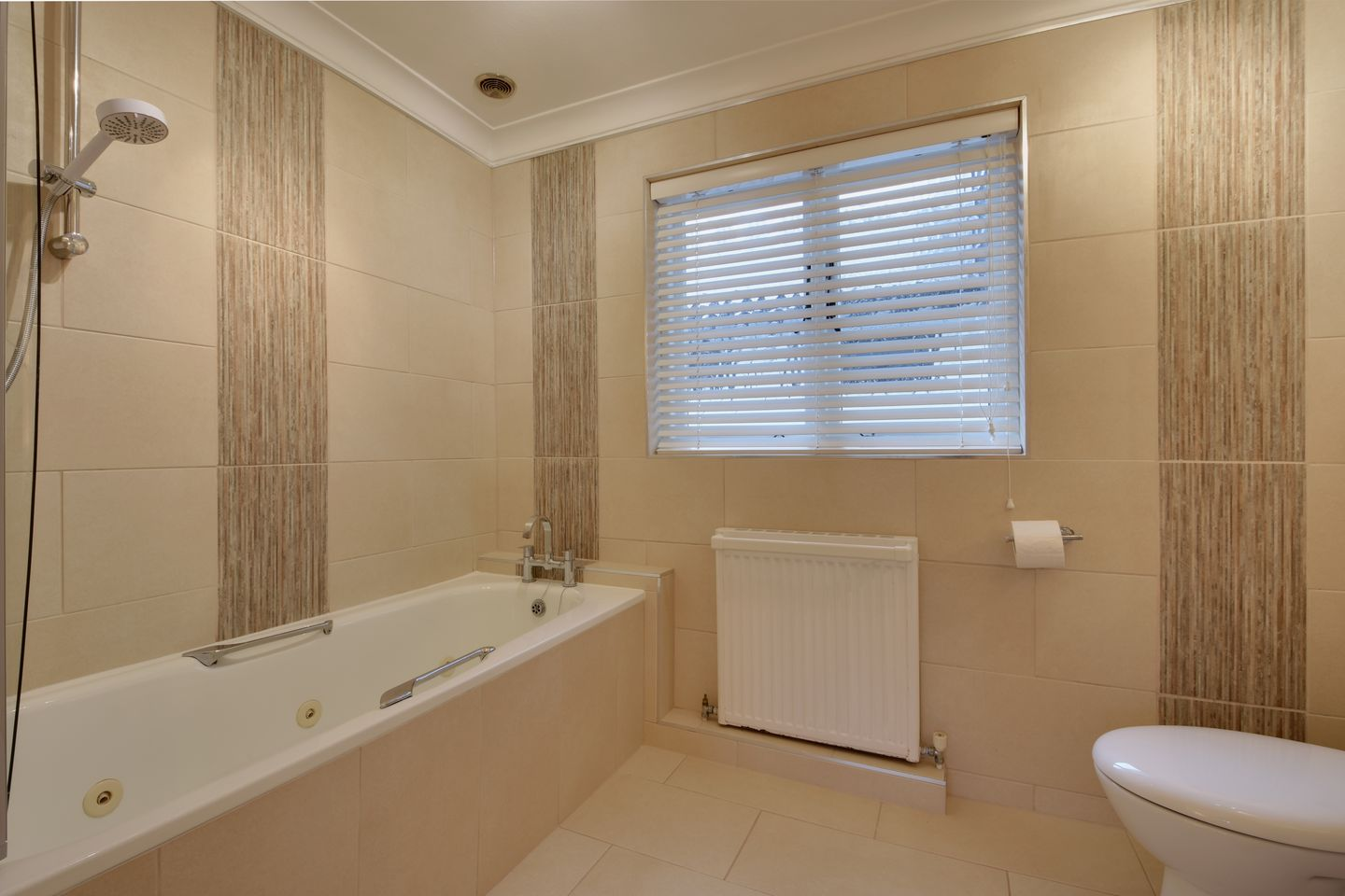 Lupin Holiday Cottage Sherford Bathroom
