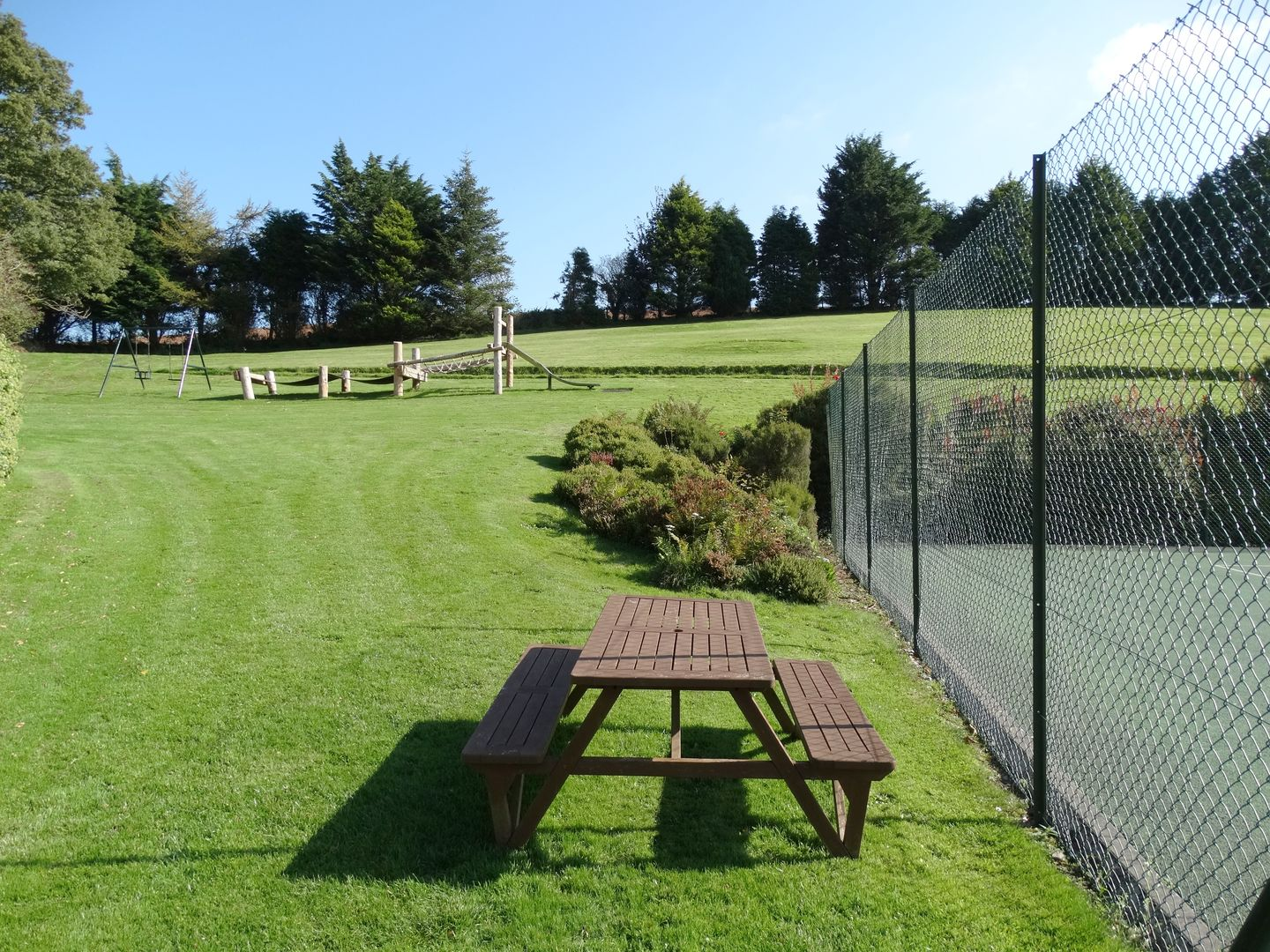 Lupin Holiday Cottage Sherford Grounds Play Area
