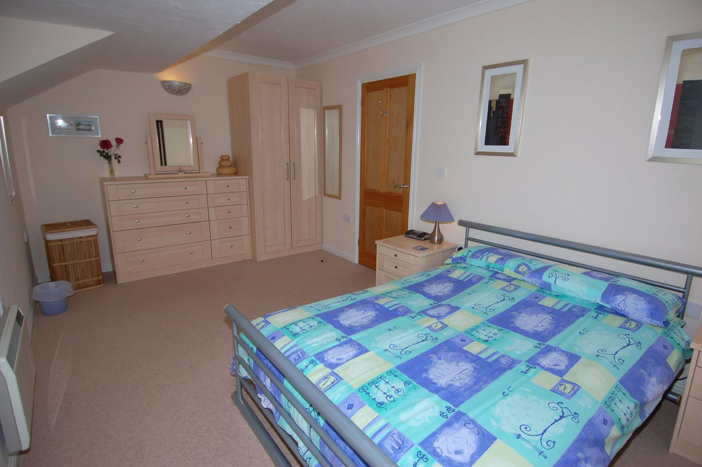 Mewstone Holiday Cottage Maenporth Double Bedroom