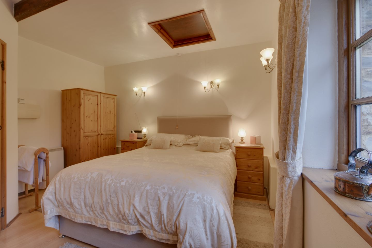 Miners Dry Holiday Cottage Gulworthy Double Bedroom