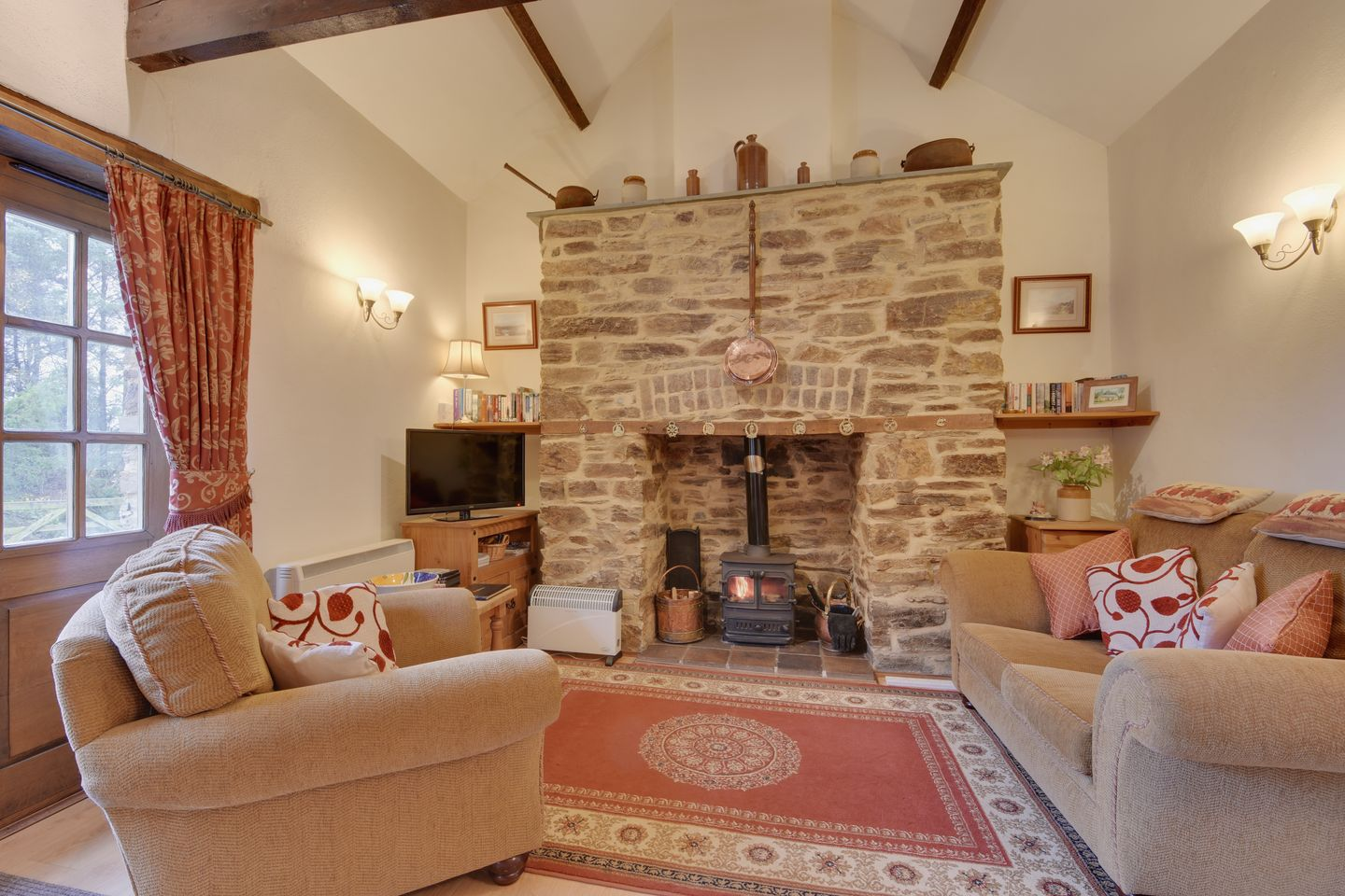 Miners Dry Holiday Cottage Gulworthy Living Room