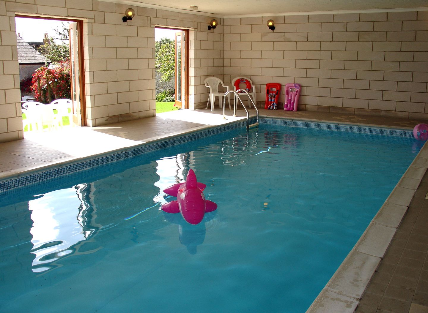 Park farmhouse chideock dorset self catering property - Holidays in dorset with swimming pool ...