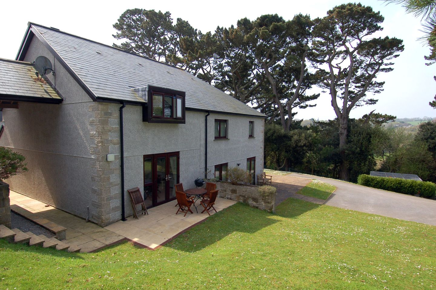 Holiday Cottage Reviews for Pine Cottage - Holiday Cottage in Maenporth, Cornwall inc Scilly