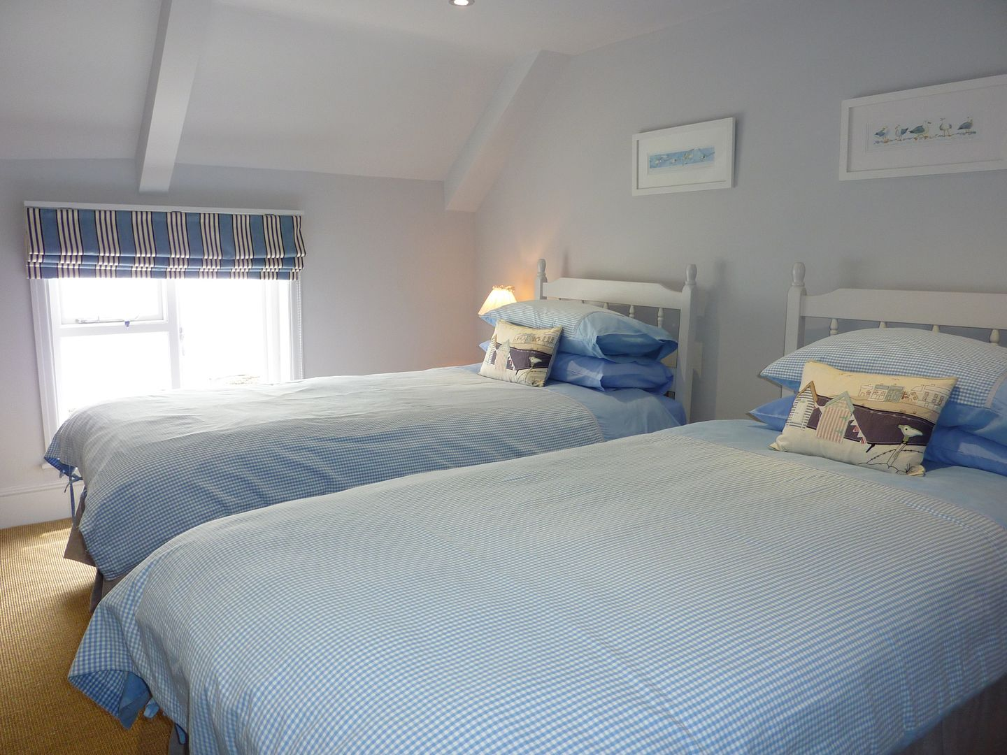 Prydes Cottage St Mawes Twin Bedroom