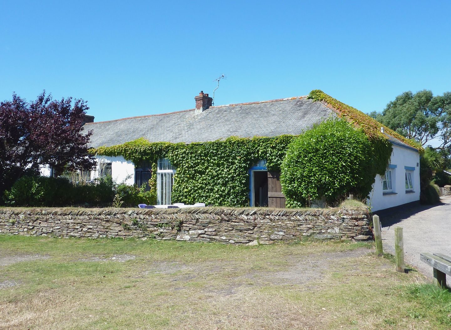 Holiday Cottage Sleeps  Dog Friendly Near Truro Cornwall