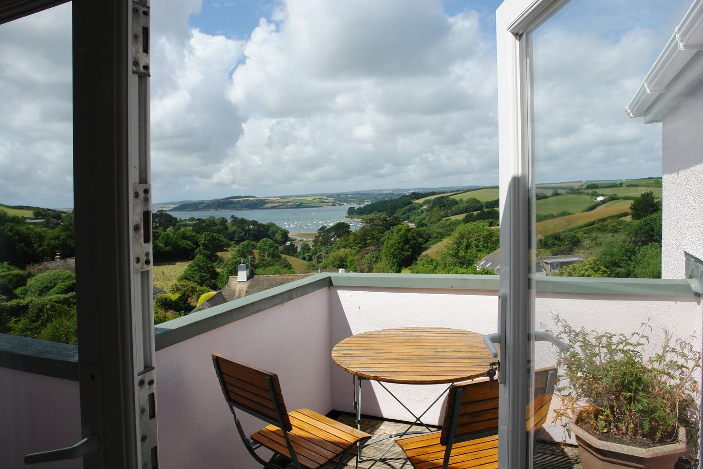 Holiday Cottage Reviews for Ros Creek Cottage - Holiday Cottage in St Just in Roseland, Cornwall inc Scilly