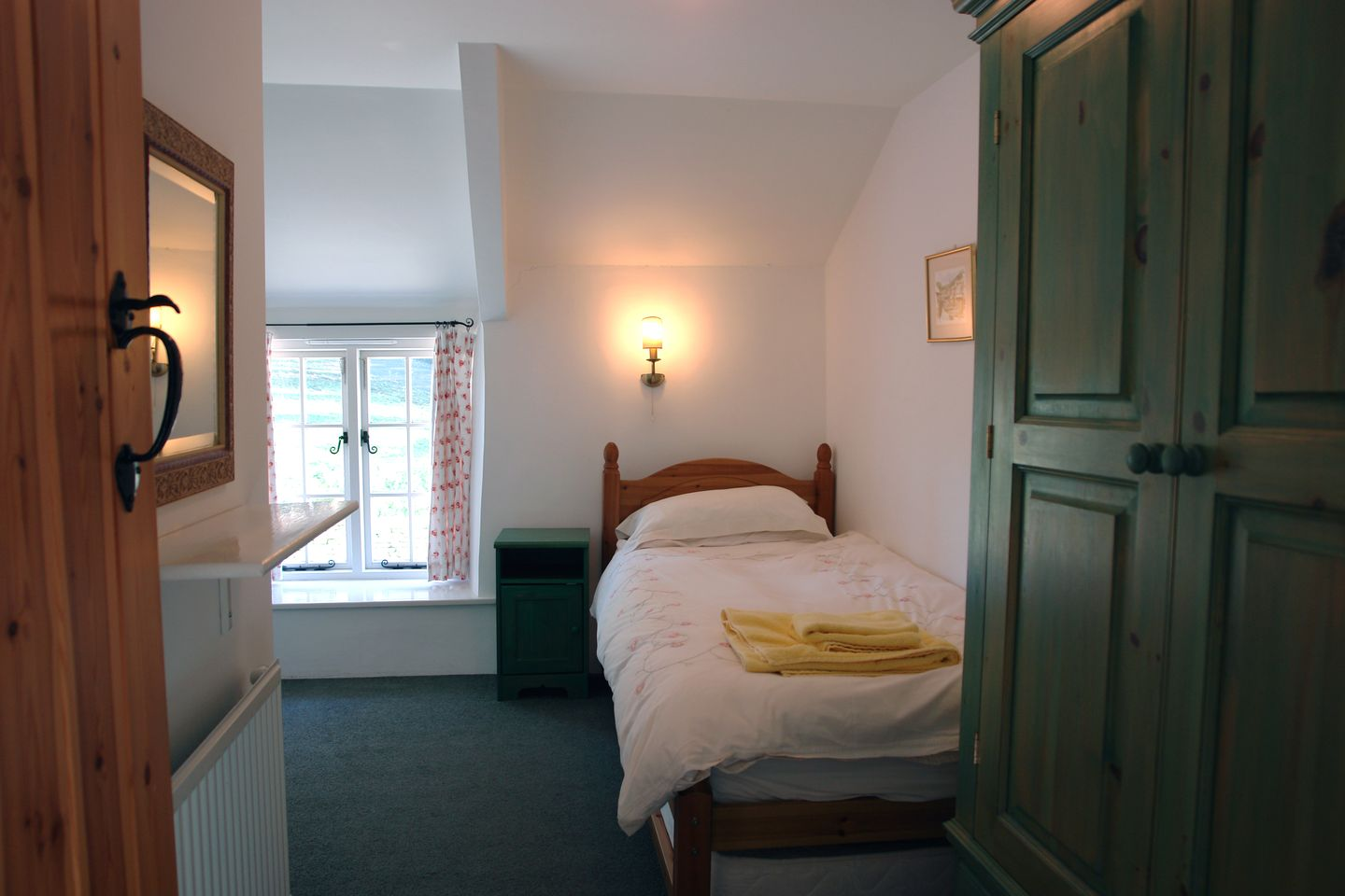 Rose Cottage In St Tudy Twin Bedroom