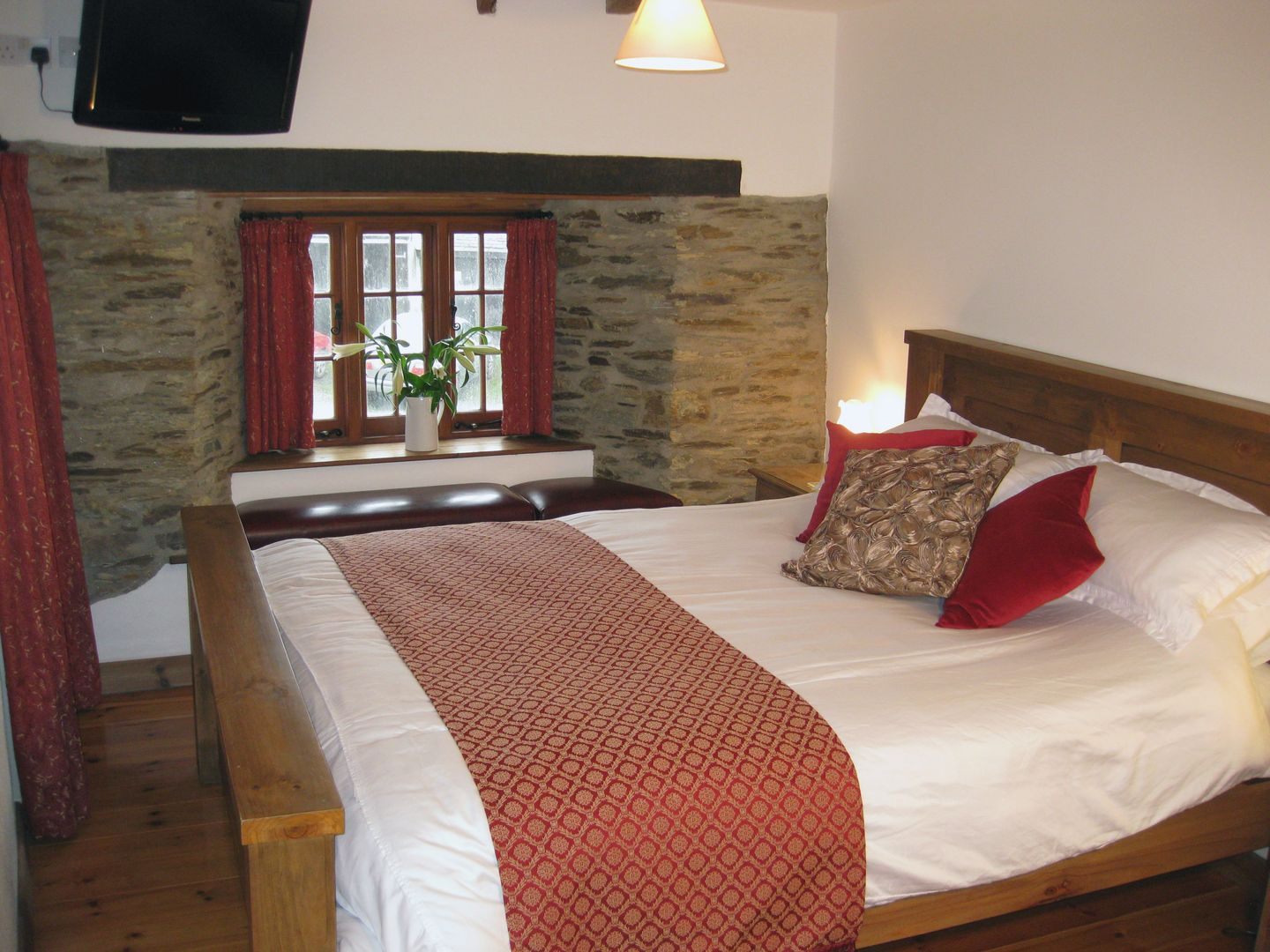 Samuels Cottage Double Bedroom