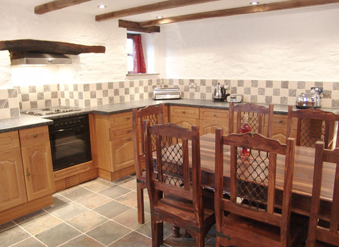 Samuels Cottage Kitchen