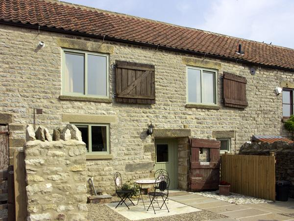 Holiday Cottage Reviews for Cow Byre Cottage - Self Catering in Wrelton, North Yorkshire