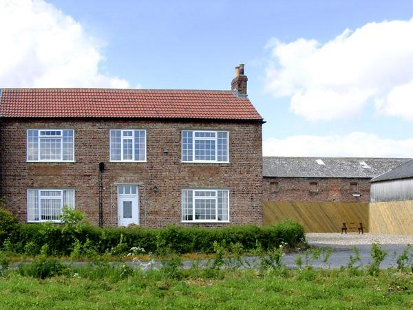 Holiday Cottage Reviews for Lawns House Farm - Holiday Cottage in York, North Yorkshire