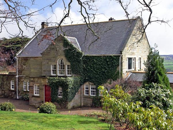 Holiday Cottage Reviews for Beech Hill Manor - Cottage Holiday in Aislaby, North Yorkshire
