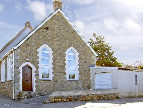 Holiday Cottage Reviews for The Olde Sunday School - Self Catering in Newquay, Cornwall inc Scilly
