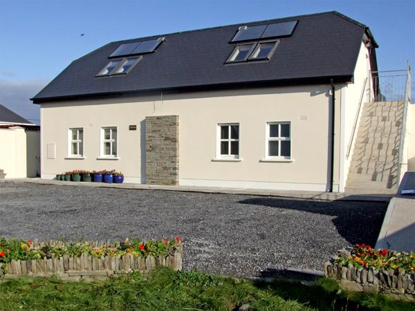 Holiday Cottage Reviews for Clair House 2 - Self Catering Property in Lahinch, Clare