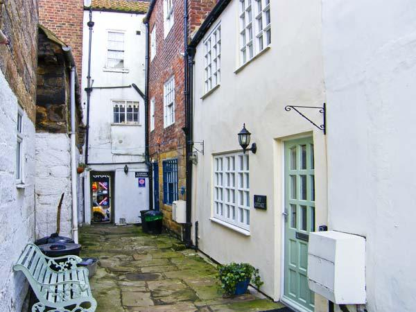 Holiday Cottage Reviews for Jet Cottage - Self Catering in Whitby, North Yorkshire