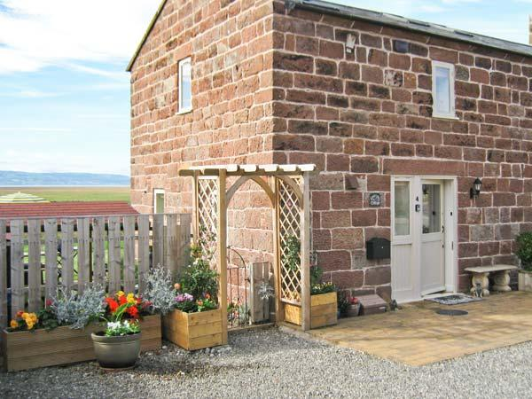 Holiday Cottage Reviews for Lavender Cottage - Self Catering in Neston, Cheshire