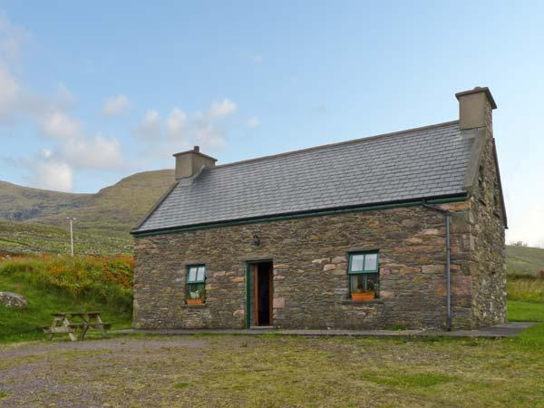Holiday Cottage Reviews for An Nead - Self Catering Property in Dingle, Kerry