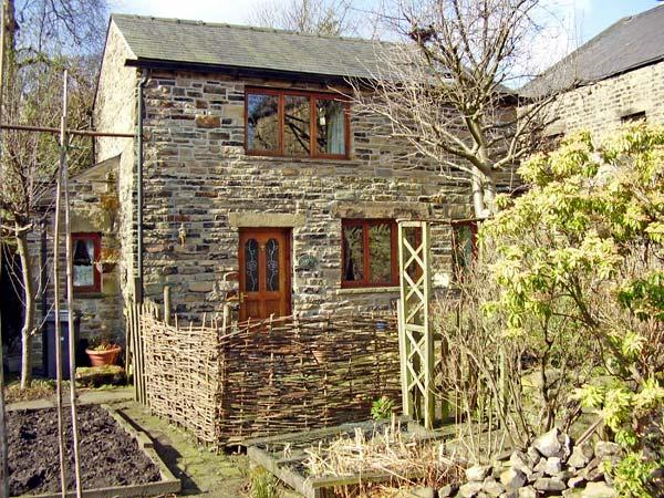 Holiday Cottage Reviews for Rowan Tree Cottage - Self Catering in Glossop, Derbyshire