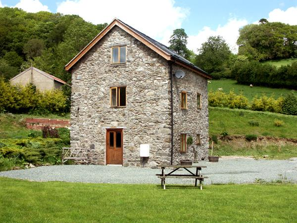 Holiday Cottage Reviews for The Old Mill - Self Catering in Llanfyllin, Powys