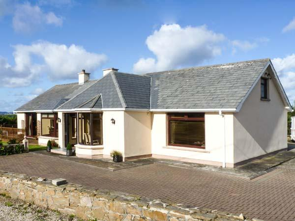 Holiday Cottage Reviews for Strand Cottage - Self Catering in Derrybeg, Donegal