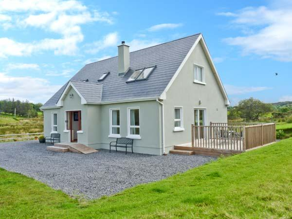 Holiday Cottage Reviews for Crona Cottage - Holiday Cottage in Mountcharles, Donegal